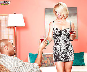 Mature blonde with amazing juggs Jenny Mason enjoys..