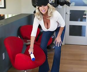 Blonde with big fake tits Sandra Otterson has a wet..