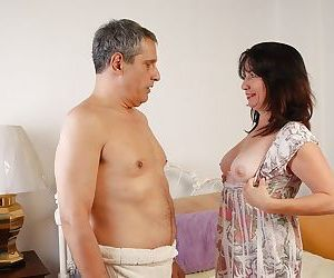Fatty brunette Scarlette is swallowing the load after good..