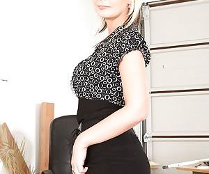 Mature office babe Alex doesnt want to hide pussy from..