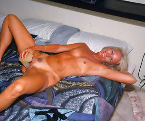 Real hot mature lady fucked in her room - part 5031