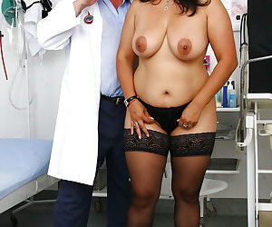 Indian BBW Alice having pussy dilated with speculum by..