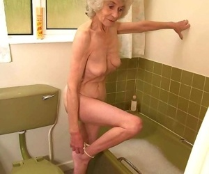 Very old granny taking a bath - part 1877