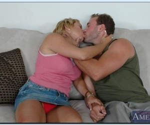 Mature lassie Mrs. Knight gives a sloppy blowjob and gets..