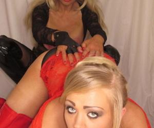 Older slut Blondie Blow and her girlfriend lick pussy when..