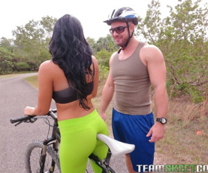 Curvy bicycler Mirko does deepthroat & takes load of cum..