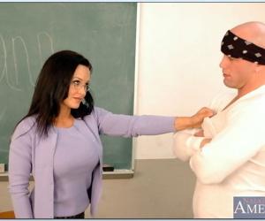 Mature teacher in glasses Lisa Ann bouncing on huge dick..