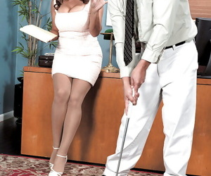 Mature secretary Persia Monir seducing her younger boss in..