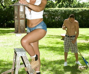 Sexy blonde in jean shorts Jazella Moore gets her feet..