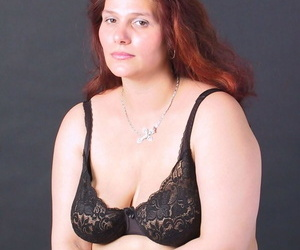 Fat mature babe Eda goes topless & covers her natural..