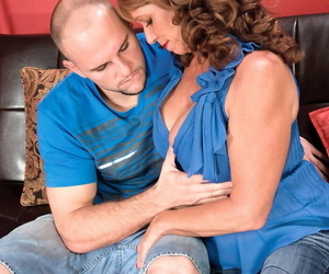 Hot Sheri Fox gets penetrated by her lover while her..