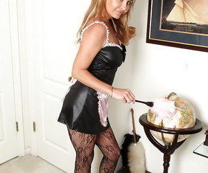 Hot waitress Amanda Hills is playing with her cute hairy..