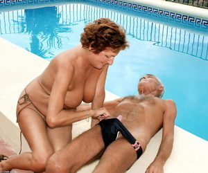 Mature lady Eve surprises her husband with a blowjob..