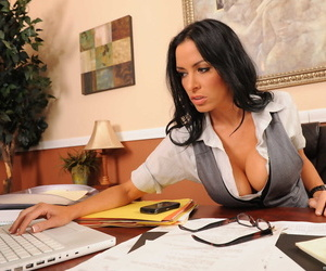 Brunette business woman Vanilla Deville gets massage and..