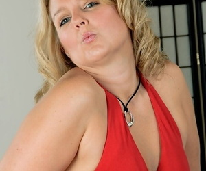 Blonde mature Amarillo loves to touch her shaved pussy and..