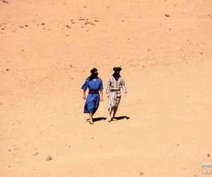Caucasian female Julia Spain does a DP in the desert while..