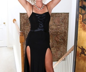Mature lady with tanlines body Zoe Marks takes elegant..