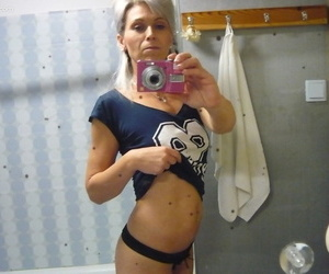 Fantastic blonde mom Kathy White takes nude selfies in the..
