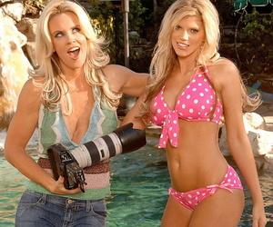 American blondie Jenny McCarthy having a photoshoot under..