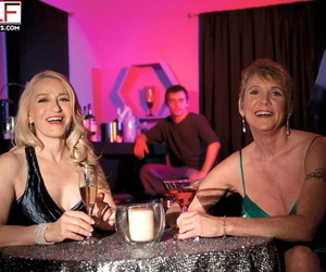 Horny mature Robin Pachino picks up a couple at a bar for..