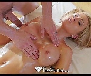 PureMatureHot milf Parker Swayze gets sensual massageHD