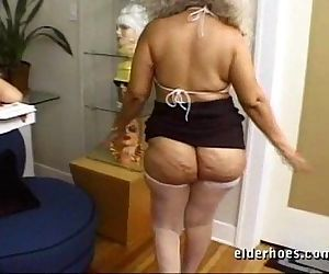 Mature MILF Granny in kinky hardcore sex action - 56 sec