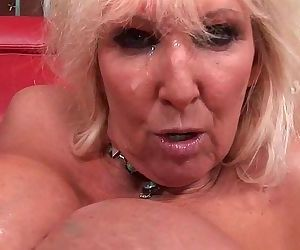 Blow your load on her face and in her mouthHD