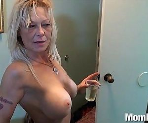 Slutty cougar ex stripper from trailer park - 8 min