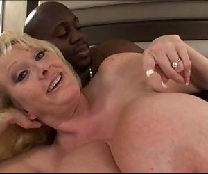 Mature milf with huge melons bangs - 6 min
