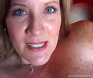Beautiful cougar has nice big tits - 5 min