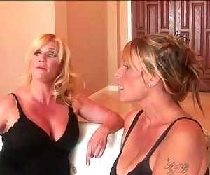Lesbian sex for horny housewifes