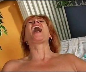 Redhead matures doing herself - 7 min