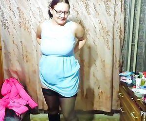 Aunt peeing standing
