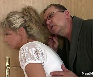 She rides his old cock after cunnilingus - 6 min