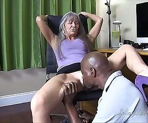 Milf Seduces IT Guy TRAILER 2 min 720p