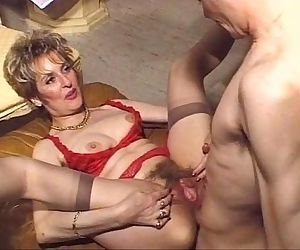 Mature hairy anal fuck - 1 min 39 sec