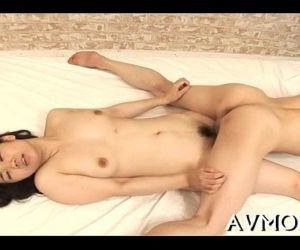Horny mom gets kinkly with vibrator - 5 min
