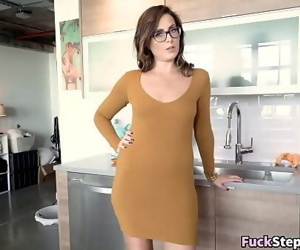 Big Booty MILF Helps Her Step-Son Out 8 min 720p