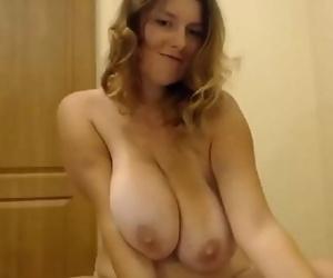 Big Naturals hanging nude milfGushcams.com 9 min