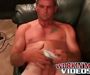 Massive cock wielding hunk cant stop himself from jerking..