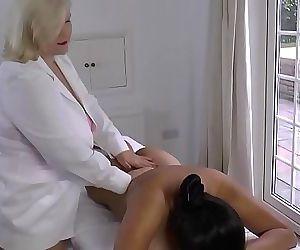 LACEYSTARRLesbian Massage with Amyka Lee 10 min 1080p
