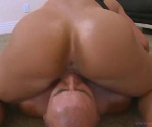Bodybuilder moms s mothersuck cock