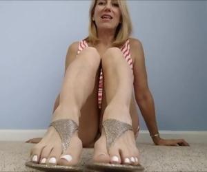 Mo Rina - sensible shoes 1 gold sandals