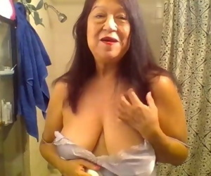 Mature Latina woman showering, thank you for keeping me..