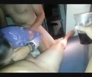 Трахают жену sexwife с другом мжм