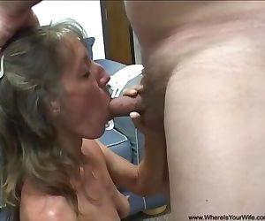 Abuela flaca da culo en entrevista laboral