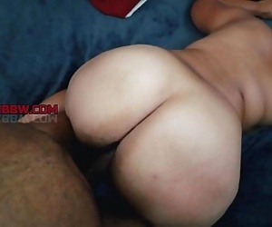 THICK SEXY EBONY MILF 3 min 720p