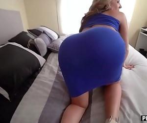 My super curvy stepmom sucked and fucked my big dick 8 min