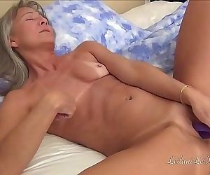 Starting My Day With Orgasms 10 min 720p