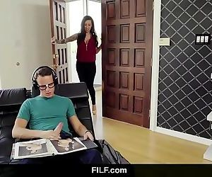 FILFLily Lane catches StepSon jerking on her nude photosHD